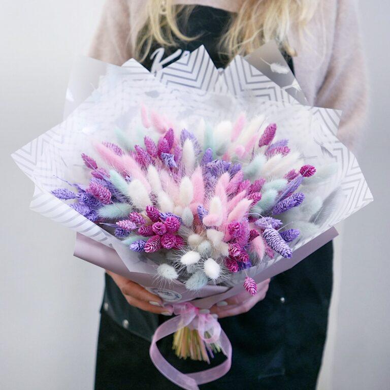 Букет сухоцветов из фалариса и лагуруса