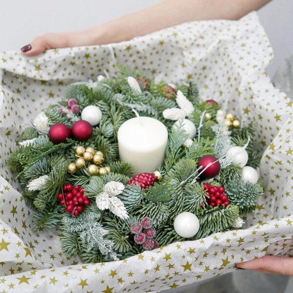 Новогодний венок со свечой на стол