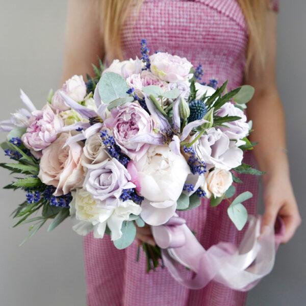 Букет невесты с гвоздиками и розами