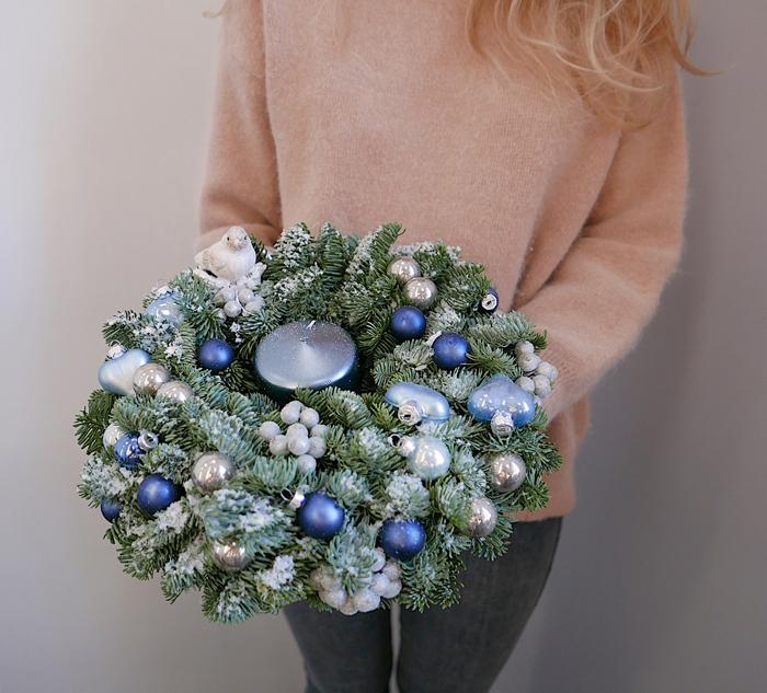 Синий новогодний венок