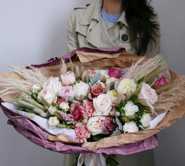 Букет с розами и колосьями
