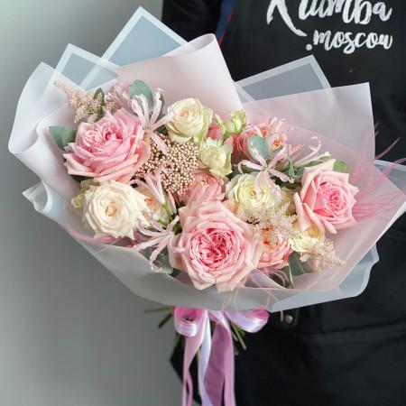 Букет с розами и ковылем