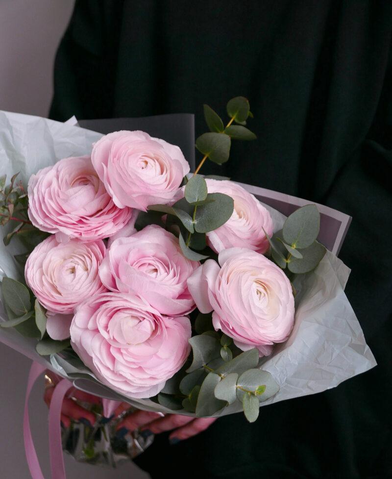 Букет розовых ранункулюсов 7 шт.