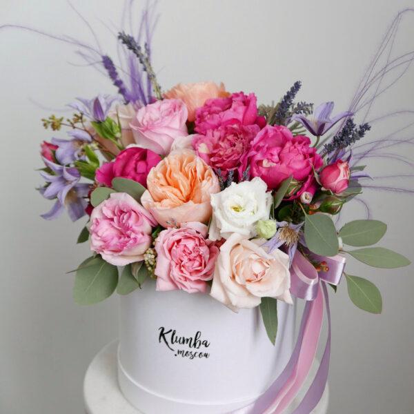 Микс роз с лавандой в шляпной коробке