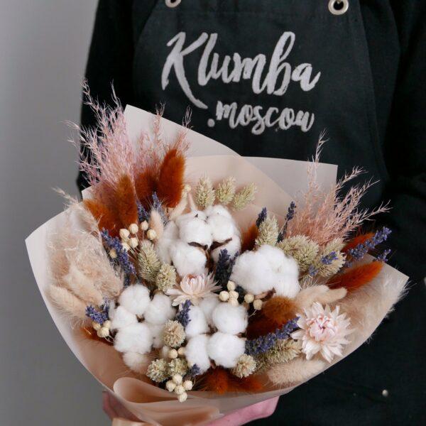 Букет сухоцветов с гелихризумом