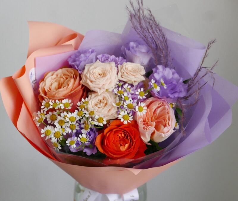 Букет на 1 сентября с ромашками и розами 2
